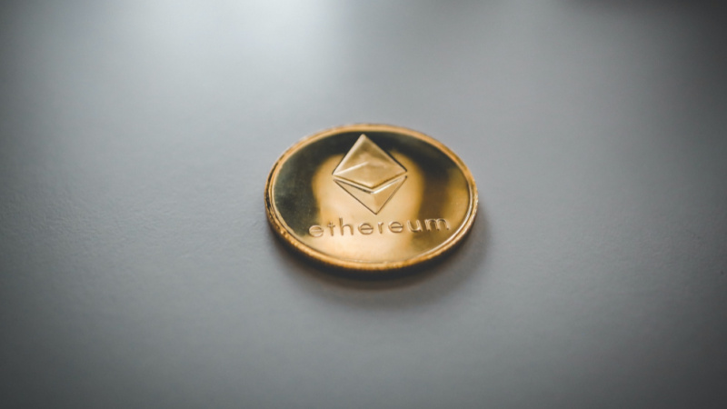 what is altcoin trader